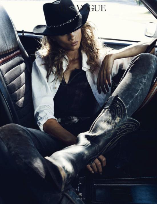 http://fashioneditorialarchive.files.wordpress.com/2012/11/vogue-paris-november-2012-sur-la-route-8.png